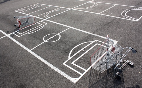 Caddies, tape, parking, Strasbourg, 2011