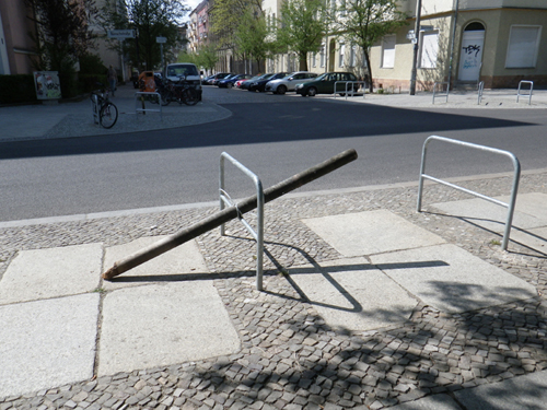Seesaw wood + bycicle rack (Berlin - April 2012)
