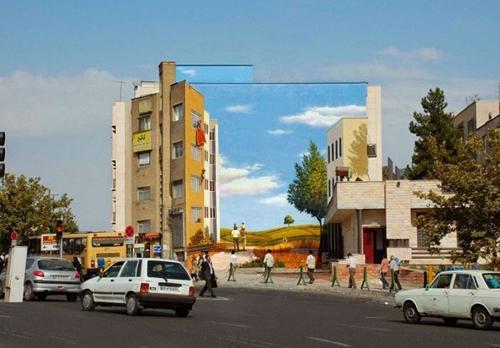 Murals in Tehran - Mehdi Ghadyanloo